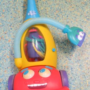 A009: Playskool Kool Crew Vacuum