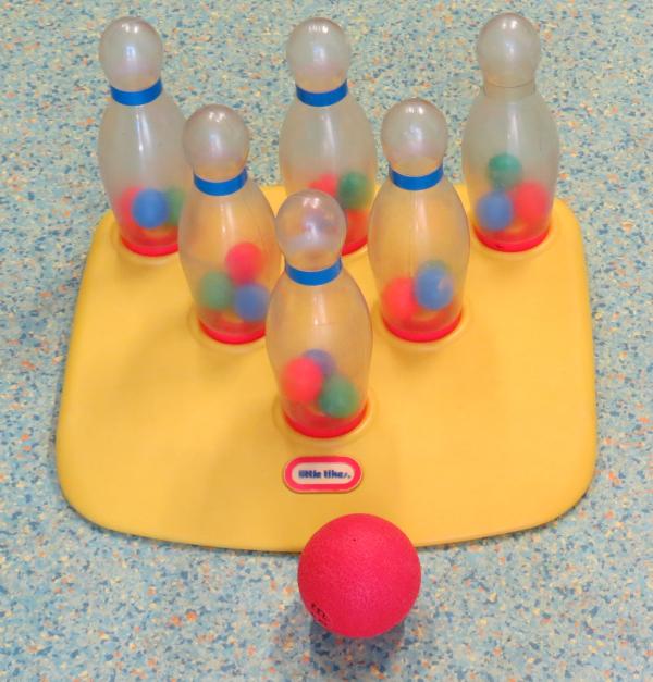 A029: Little Tikes Bowling Set