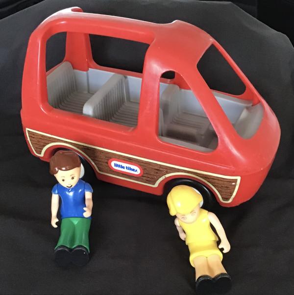 B077: Little Tikes Red Van