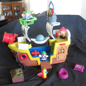 C031: Fisher Price Little People Pirate Ship