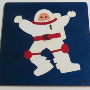 P008: Astronaut Puzzle