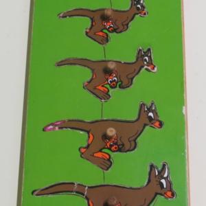 P023: Kangaroo Puzzle