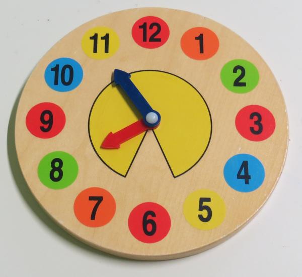 P049: Wooden Clock