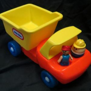 V002: Little Tikes Dump Truck