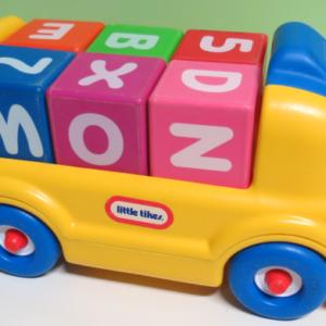 V005: Little Tikes Blocks Bus